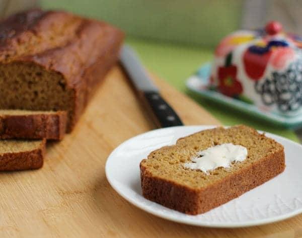 healthier-pumpkin-bread-3-600