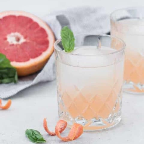 Image of gin cocktail with grapefruit juice and St. Germaine.