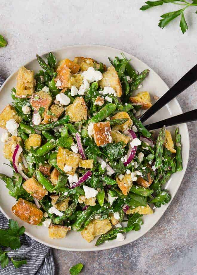 Image of panzanella salad made with asparagus