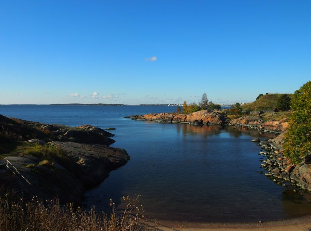 There are a lot of things than mean paradise to me, delicious food, a beautiful sunset, live theatre, but I always love finding a quiet spot in a city. Getting a little bit of nature in a parkin a city, especially if I can find some space by myself is paradise. This photo is from Suomenlinna Fortress in Helsinki. I went on a Saturday morning when it was pretty busy, but I found this quiet and beautiful spot and had it all to myself.