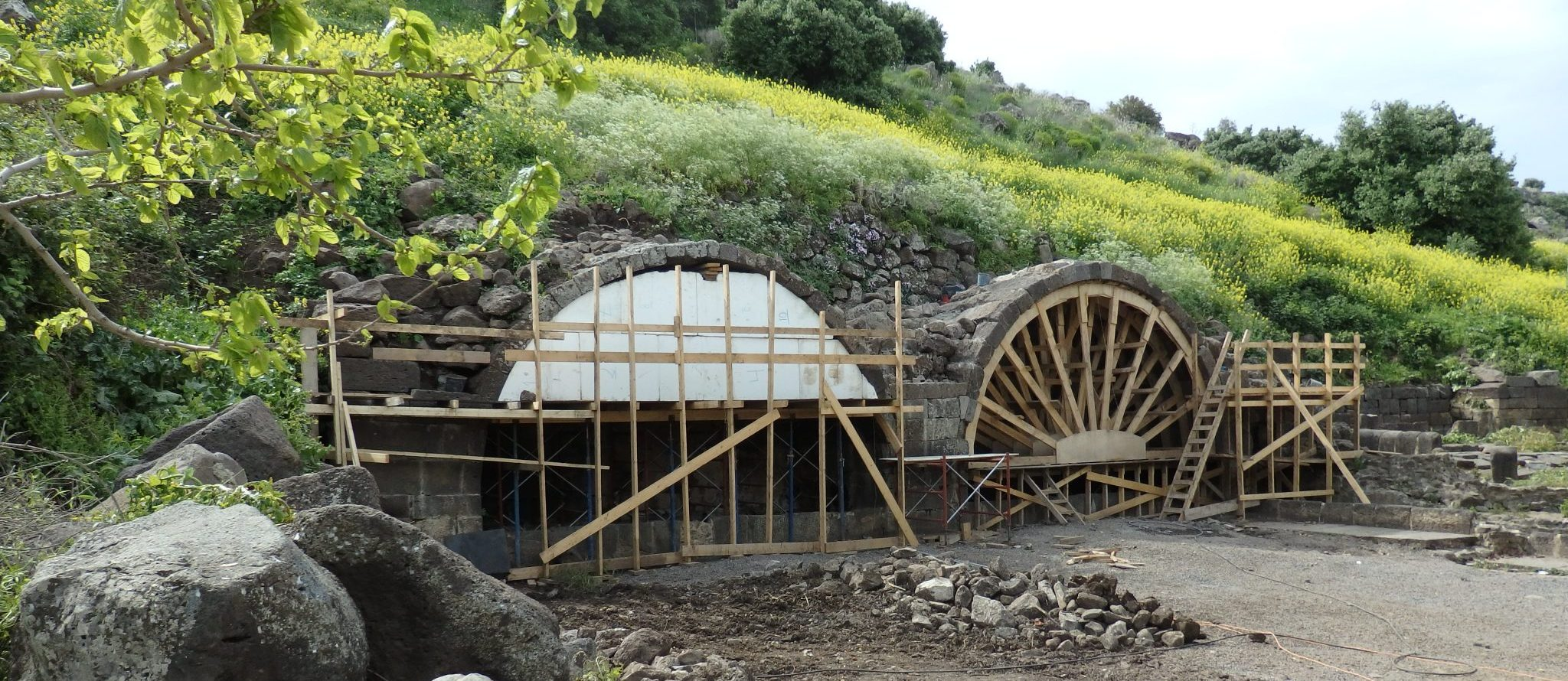 Two of the arches under reconstruction at Um el Kanatir. The spring is just next to the second one.