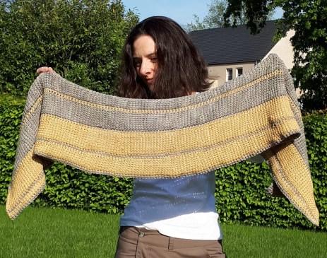 Jardin extraordinaire, in solid color yarns, vegetable dyes by Les aiguilles du hérisson