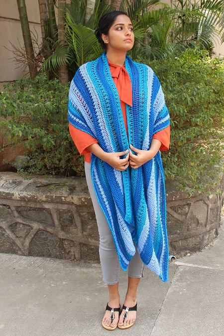 Calm Bay shawl, Tunisian crochet shawl available on Ravelry and in Knotions