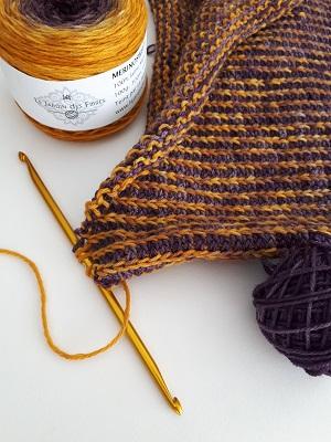"""Motif """"faux brioche"""" bicolore avec un crochet tunisien double"""