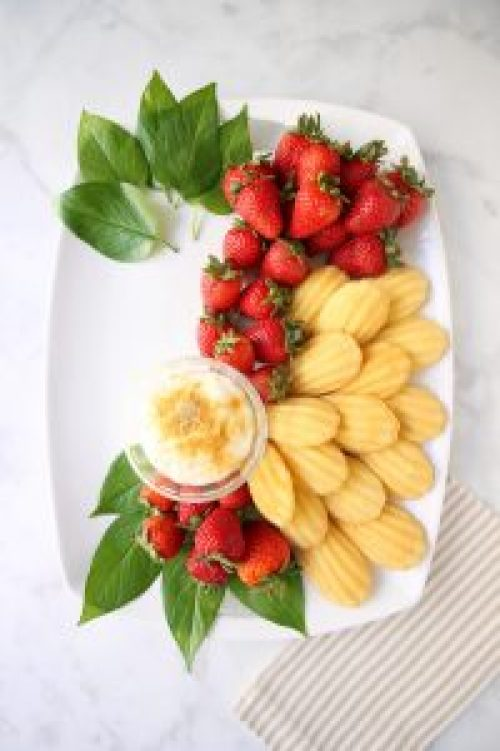 Cheesecake Fruit Platter How-To