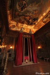 William III's ornate bedchamber