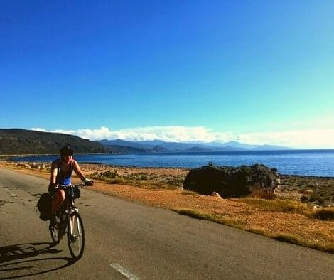 Cycling Cuba on perfect roads