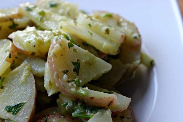 potato-salad-closeup