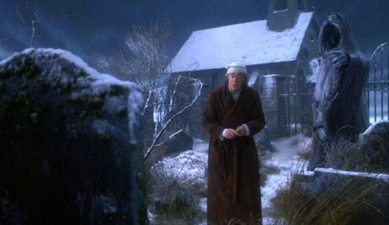 The-Muppet-Christmas-Carol-Screencaps-michael-caine-5823446-570-330