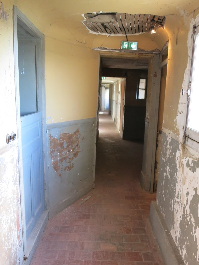 a hallway in an upper floor at Chateau Chaumont