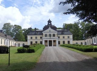 Sparreholms Manor and its Collections