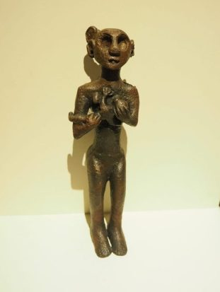 small statuette of a mother goddess, end of 3rd millennium BCE