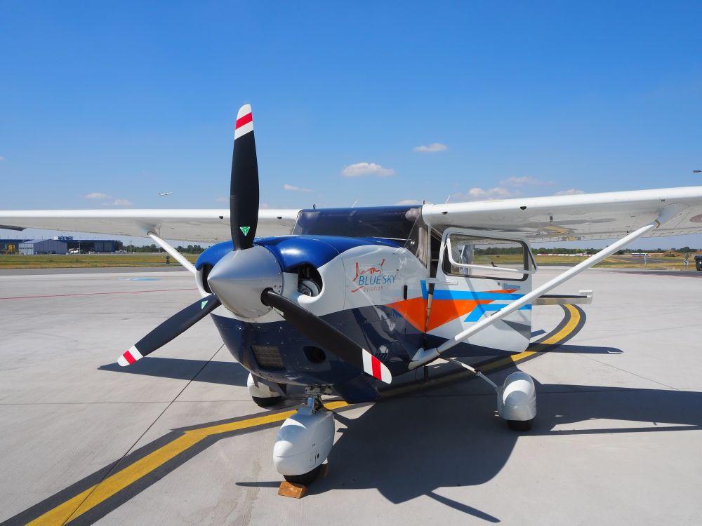 Prague Airport tour and a teeny-tiny airplane