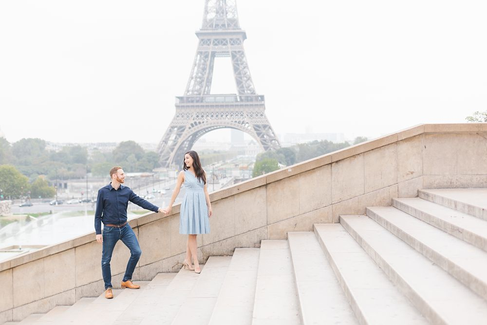 romantic paris anniversary photo session at trocadero