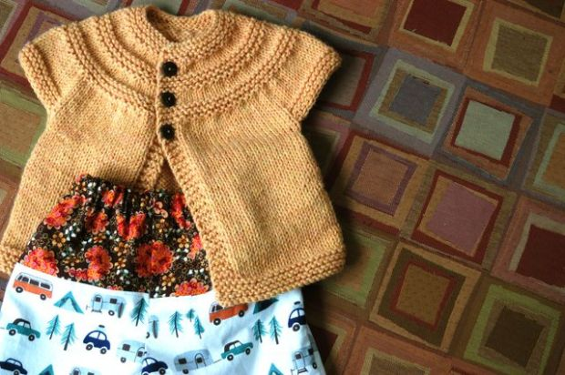 Knitting and sewing for baby. | Clean.