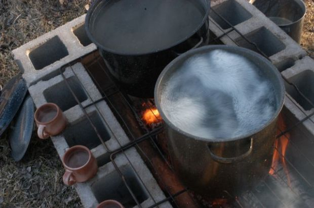 Cooking maple sap. | Clean.