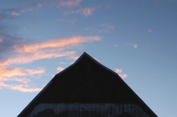 Zen in the barn | Clean