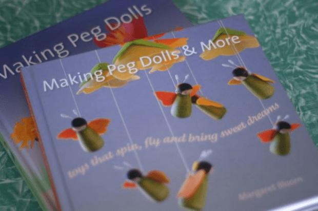 Book Giveaway : : Peg Dolls and More