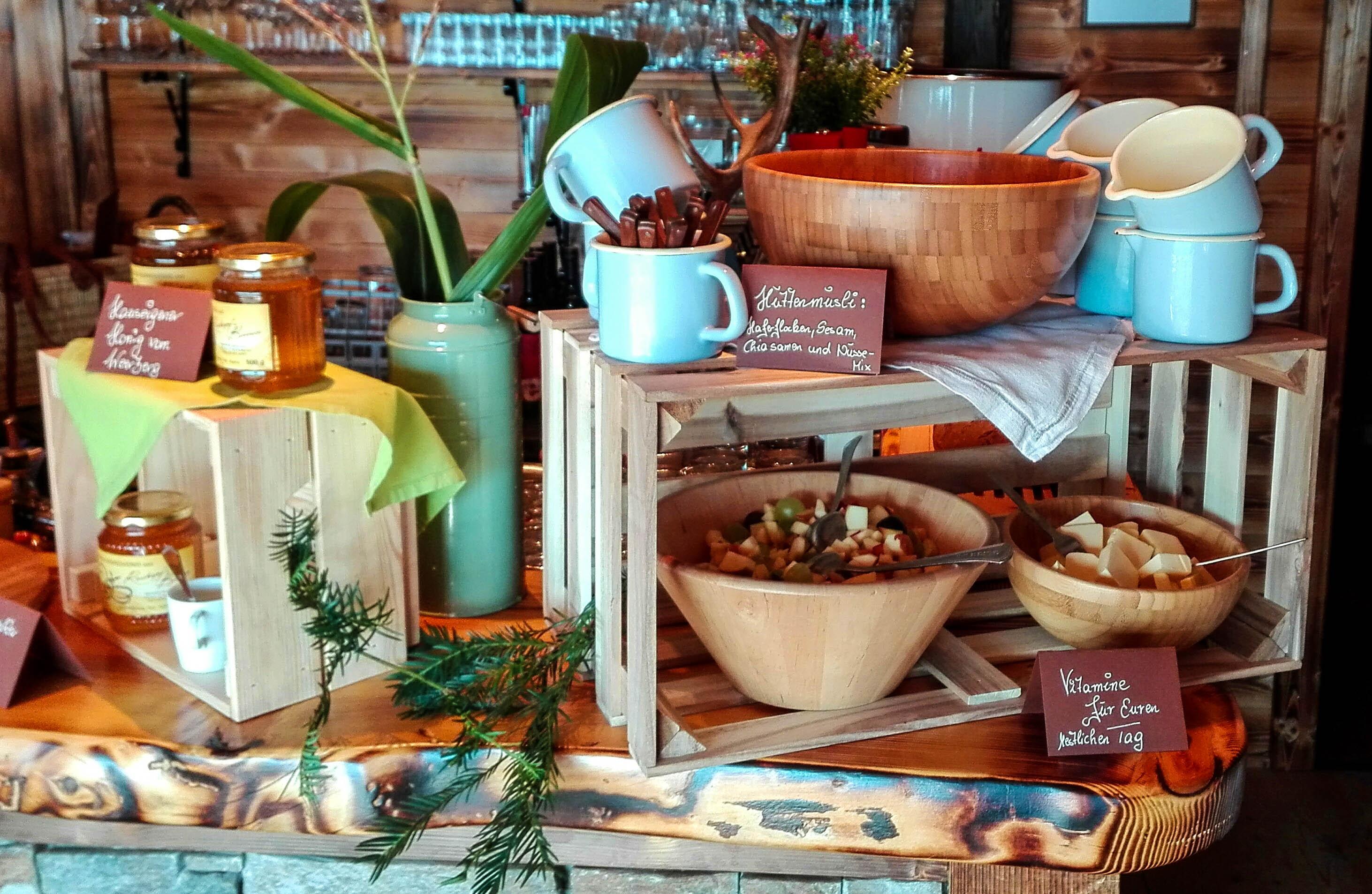 Jeden Sonntag gibts Hüttenfrühstück bei uns in der RachKuchl am Vomperberg