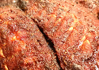 RachKuchl SpareRibs - herzhafte Ripperl mit Knoblauchbrot und Krautsalat