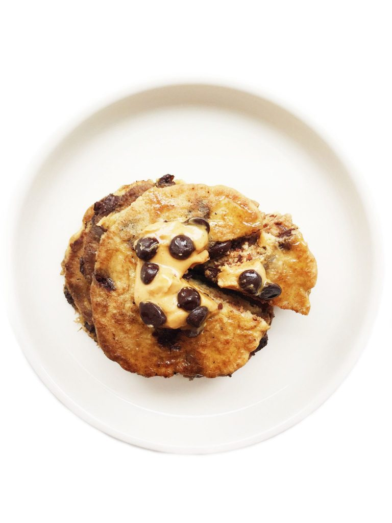 Flourless Peanut Butter Chocolate Chip Pancakes