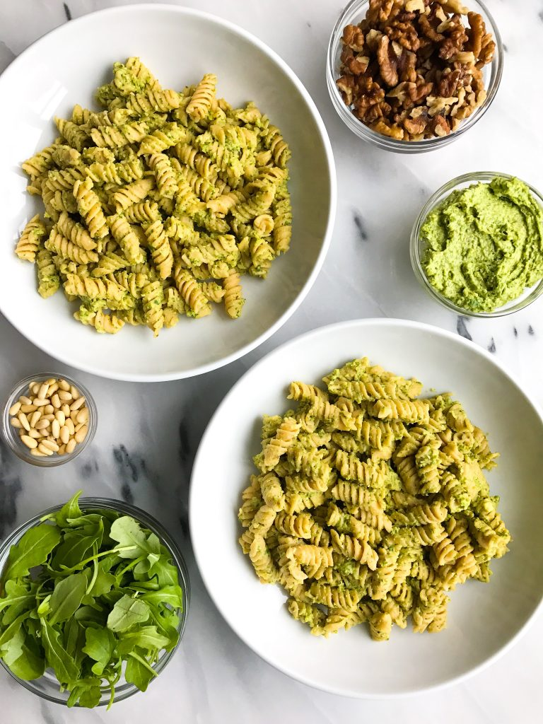 Creamy Avocado Arugula Pesto Pasta! Vegan and gluten-free creamy pesto, so healthy and easy to make!
