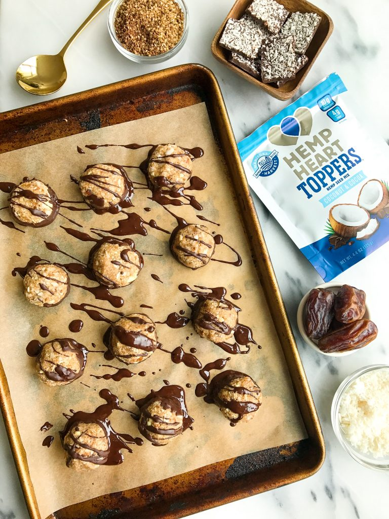Date-Sweetened Dark Chocolate Coconut Macaroons for an easy no-bake dessert!