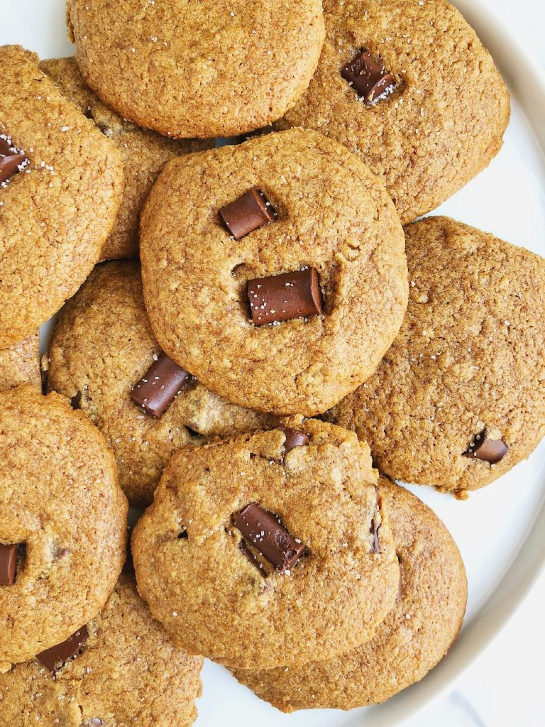 6-ingredient Classic Chocolate Chip Cookies made with simple and delicious ingredients for a tasty cookie treat!