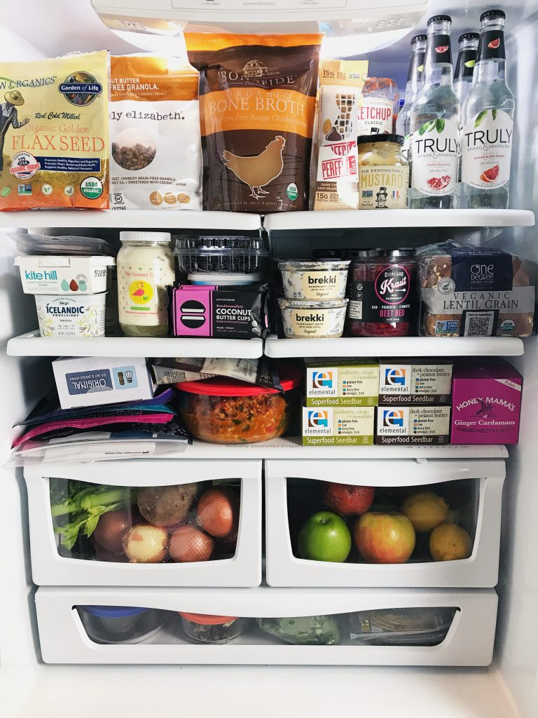 healthy kitchen: sharing all of my fridge staples!