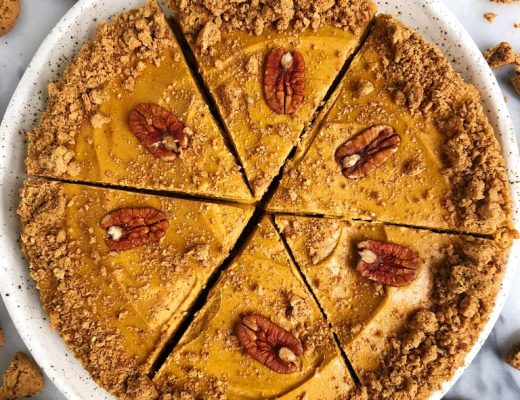 Grain-free Pumpkin Peanut Butter Pie with Cookie Crust for a delicious and easy no-bake homemade pie filled with delicious peanut buttery pumpkin flavors!