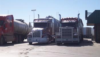 semi-tractor trailer
