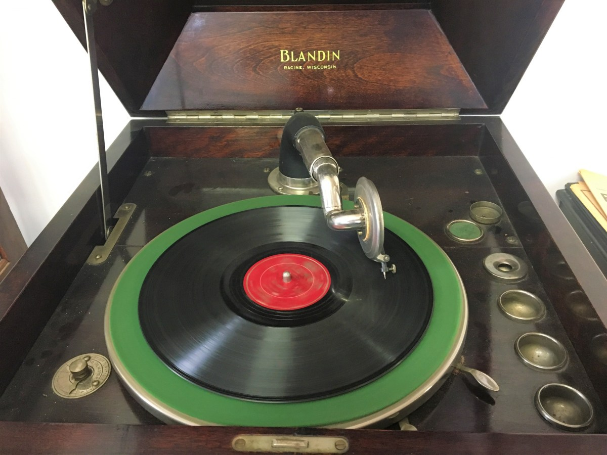 Blandin Phonograph - for Gadgets and Geeks 6-2019