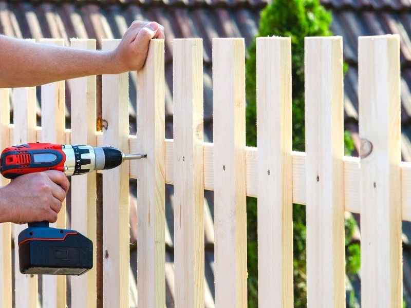 What To Know Before Building a Fence in Your Yard