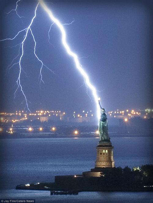 Lightning Bolt, Jay Fine Photographer.