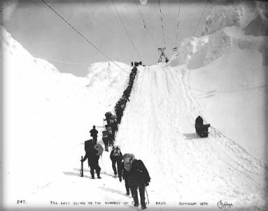 Chilkoot Summit, 1898. Photo: E.A. Hegg.