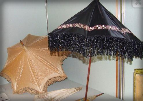 Parasols, Victorian Era. Image: Umbrella Museum, Italy.