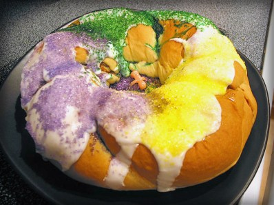 King Cake Louisiana Style. Image: Darjeelingtea at English Wikipedia.