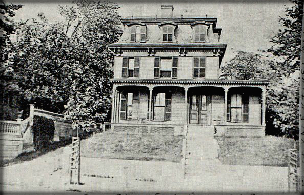 Howland House, Worcester Massachusetts. Image: AmericanAntiquarian.org.
