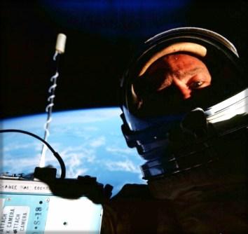 Buzz Aldrin EVA Selfie, 1966. Image: NASA-Buzz Aldrin.