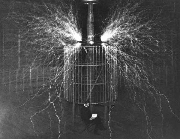 Victorian Selfies, Nikola Tesla in Colorado Springs, Image: TeslaResearch.Jimdo.com.