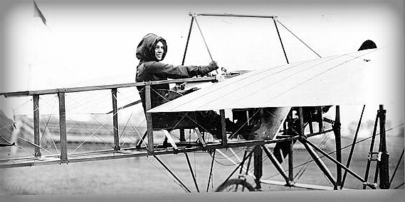 Harriet Quimby, First Licensed Female Pilot In America. Image: Library of Congress.