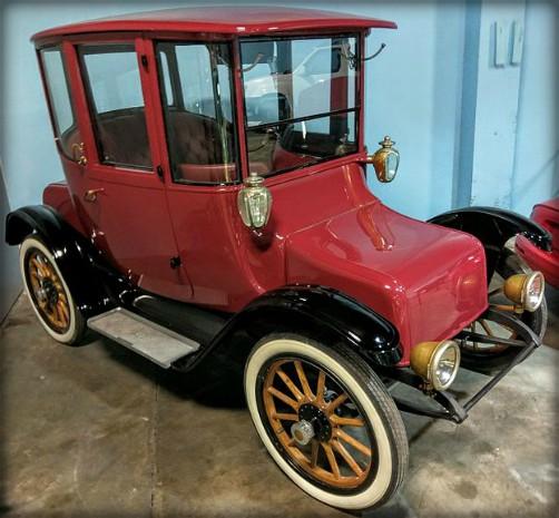 Victorian Era Electric Cars; Detroit Electric, 1911. Image: Cullen328.