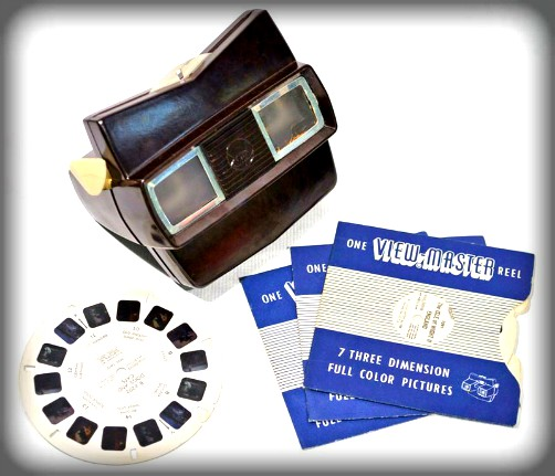 Modern Megalethoscope, View Master With Reel. Image: Wikipedia, Museum of Hartlepool.