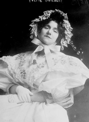 Folies-Bergère, Yvette Guilbert. Image: Library of Congress, Bain News Service.