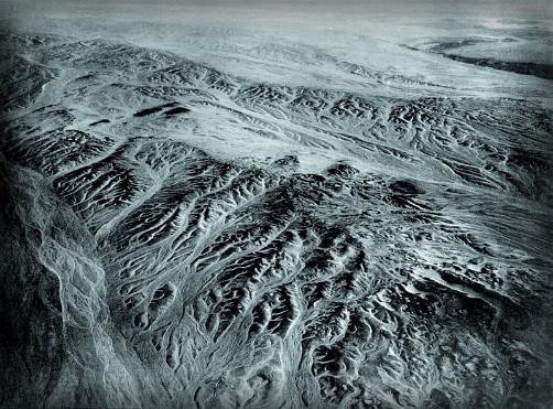 Eduard Spelterini-Desert, SouthEast of Cairo, 1904. Image: Wikipedia.