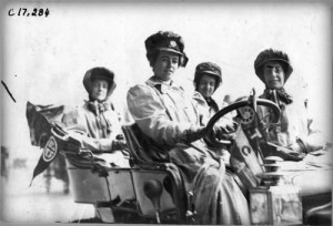 Alice Huyler Ramsey Race, 1909. Image: National Automotive History Collection, Detroit Public Library.