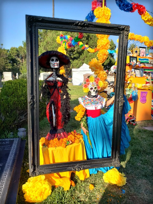 Hollywood Cemetery Marigolds; Day of the Dead Altar. Image: BarbaraRoseMedia.com.