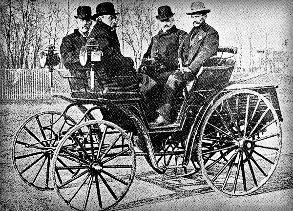 First American Car Race: Oscar Mueller Benz Car. Image: Wikimedia.