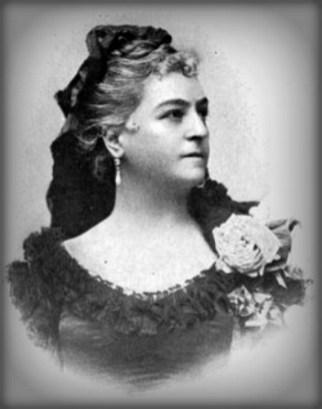 Early Female Conservationists: Black and white photograph of bust of Lilli Lehmann Opera Singer wearing scooped neck lace dress. Image: Wikipedia.