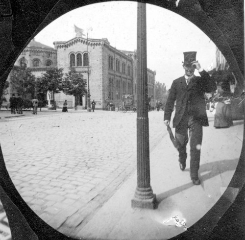 Victorian Era Spy Camera: Carl Stormer photo. Image: wiki-visually.